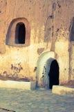 Excave la casa en el matmata, Túnez en el desierto del Sáhara fotos de archivo