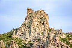 Excave la ciudad y oscila el valle del mountaine en Cappadocia, Turquía Imágenes de archivo libres de regalías