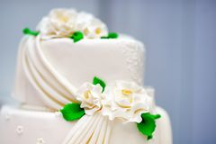 Excellent white wedding cake Stock Images