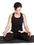 excercising的padmasana瑜伽 免版税图库摄影