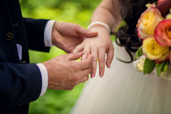 Exchange of rings Royalty Free Stock Photography