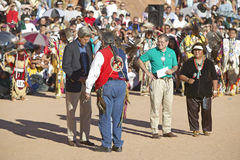 Exchange  between Senator John Kerry with Intertribal Council President, Gallup, NM Stock Photography