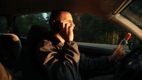 Excitador bêbedo Perigo na estrada video estoque
