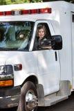 Excitador da ambulância da mulher Fotos de Stock