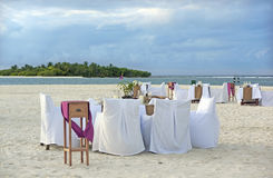 Exclusive dinner at the beach Royalty Free Stock Photography