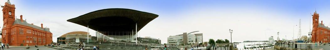 EXCLUSIVO - Panorama de docas de Cardiff fotografia de stock
