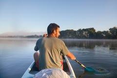 Excursão da canoa em um rio Foto de Stock Royalty Free