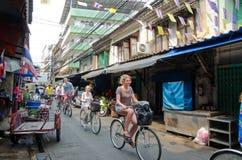 Excursão de ciclagem em Banguecoque, Tailândia Imagem de Stock Royalty Free