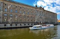 Excursão do barco em Berlim Foto de Stock Royalty Free