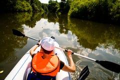 Excursão do caiaque e o rio Foto de Stock Royalty Free