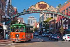 Excursão do trole no distrito de Gaslamp em San Diego Fotos de Stock