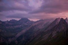 Excursão exploratória com a região bonita da montanha de Appenzell fotografia de stock royalty free