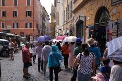 Excursão pedestre em Roma foto de stock royalty free