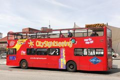 Excursão sightseeing do ônibus de Aarhus no terminal do cruzeiro em Aarhus, Dinamarca Imagens de Stock Royalty Free