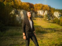 Excursão trekking do outono nas montanhas fotos de stock