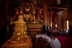 Excursões do estudante no templo. Imagens de Stock