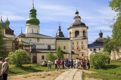 Excursión al monasterio de Kirillo-Belozersky Foto de archivo libre de regalías