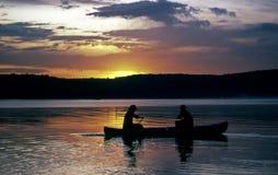 Excursión de la canoa de la madrugada Foto de archivo libre de regalías