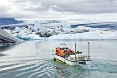 Excursion amphibie de Jokulsarlon Photographie stock