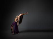 Execução do dançarino de barriga Foto de Stock Royalty Free