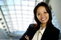 Executivo asiático no edifício Fotografia de Stock