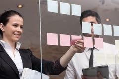 Executivos criativos novos Fotografia de Stock Royalty Free