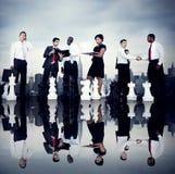Executivos de Team Strategy City Concept incorporado Imagens de Stock