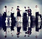 Executivos de Team Strategy City Concept incorporado Foto de Stock Royalty Free