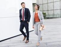 Executivos do conceito de passeio da vida urbana do assinante Foto de Stock