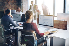 Executivos do conceito de pensamento do sucesso do crescimento da finança da análise Imagens de Stock