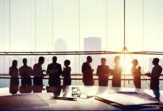 Executivos do grupo que trabalham o conceito do escritório Fotografia de Stock Royalty Free