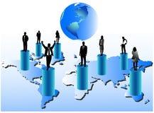 Executivos e mapa Fotografia de Stock Royalty Free