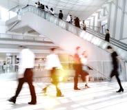 Executivos em Ásia Hong Kong Commuter Concept fotos de stock royalty free