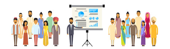 Executivos indianos da apresentação Flip Chart Finance do grupo, empresários Team Training Conference Meeting da Índia Fotos de Stock Royalty Free