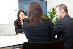Executivos no trabalho em seu escritório imagem de stock royalty free