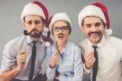 Executivos que comemoram o Natal fotografia de stock