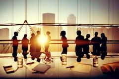 Executivos que conceituam o conceito da discussão do escritório fotografia de stock royalty free