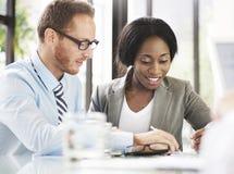 Executivos que encontram o conceito de uma comunicação da discussão fotografia de stock royalty free