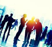 Executivos que falam o conceito da conversação da conexão foto de stock royalty free