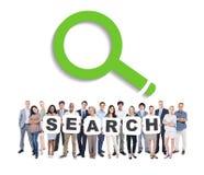 Executivos que guardam a busca da palavra com símbolo Imagem de Stock