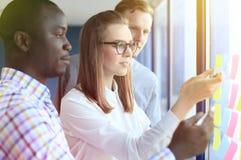 Executivos startup criativos novos Imagens de Stock Royalty Free