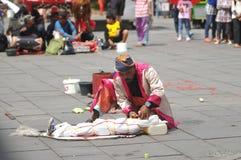 Executor da rua em Indonésia Foto de Stock Royalty Free