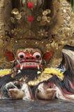 Executor do Balinese em uma cerimônia de Barong Fotografia de Stock