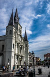 Executores de Louis Cathedral French Quarter Street de Saint de Nova Orleães foto de stock royalty free