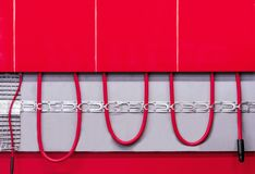 Exempel av ett golvuppvärmningsystem Begrepp av ett varmt golvsystem royaltyfri fotografi