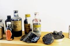 Exempel av produkter som tillverkas av den Roussillon ockrafabriken Royaltyfri Fotografi