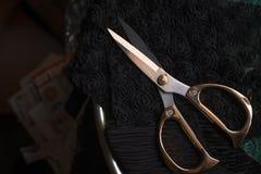 Exemplaar ruimtekader met het naaien van hulpmiddelen en toebehoren, traditionele zaken, fabriek, het concepten handwerk, werkpla royalty-vrije stock foto