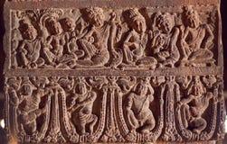 Exemple des découpages indiens d'art avec la vie des personnes antiques et des dieux aux temples du 7ème siècle dans Pattadakal,  Images stock