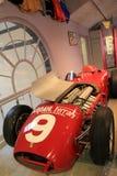Exemple magnifique de voiture de course sur le 2ème étalage d'étage, musée d'automobile de Saratoga, New York, 2015 Images libres de droits