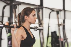 Exercício atlético da menina imagens de stock